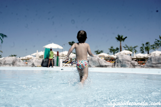 Viajar con niños Parque Warner Madrid